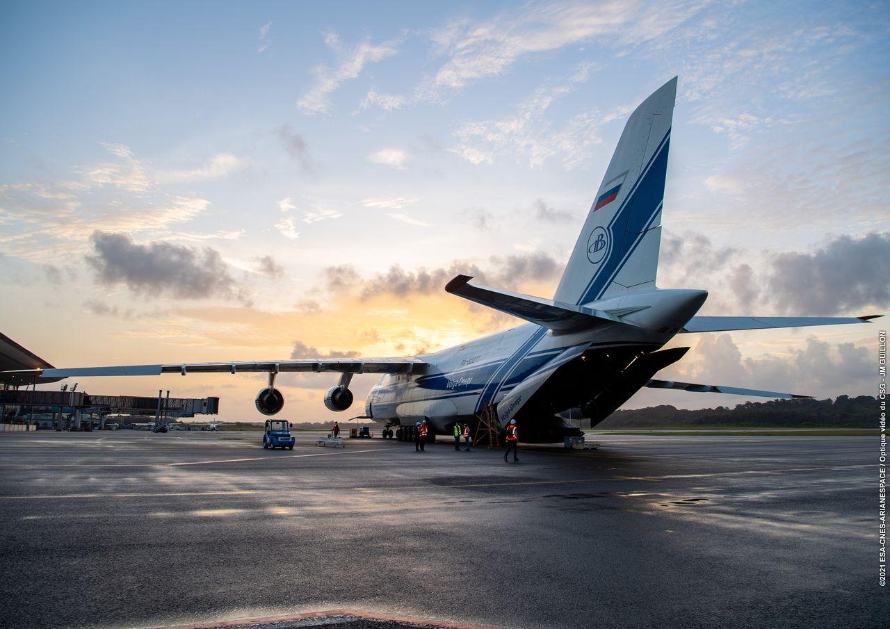 vv18_arrivee_cu1_aeroport_felix_eboue_002.jpg