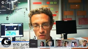 Éric Jurado, responsable des opérations de navigation de Philae au CNES, répond aux questions des internautes et des blogueurs.Crédit : CNES