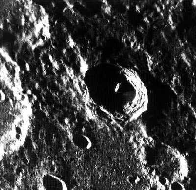 La surface cratérisée de Mercure. Crédits : NASA