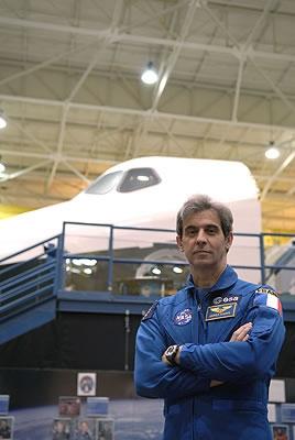 Léopold Eyharts. Crédits : ESA/S. Corvaja