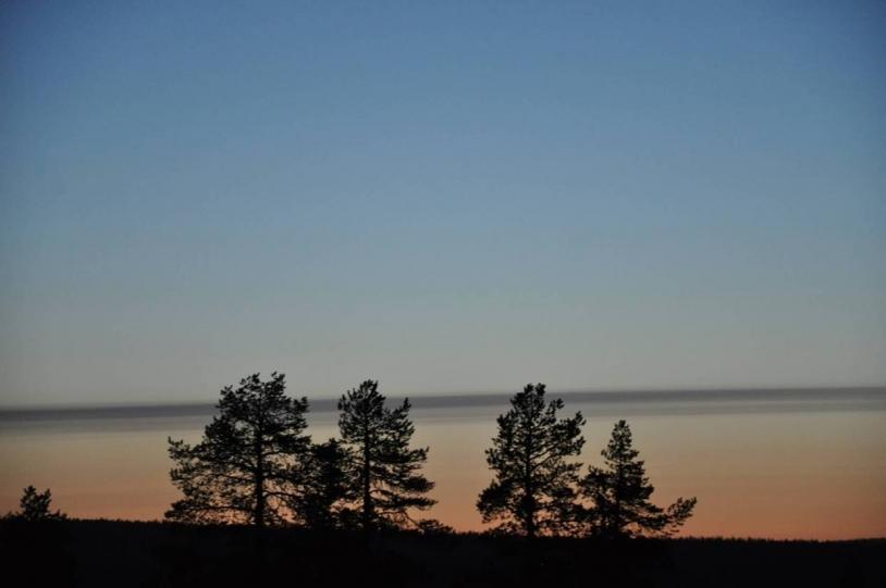Coucher de soleil à Kiruna. Crédits : CNES.