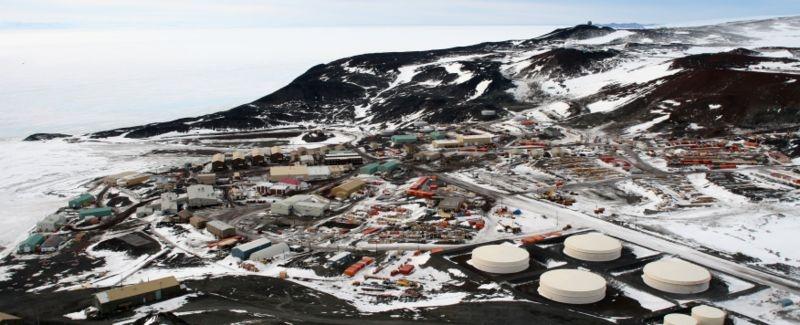La base américaine de McMurdo en Antarctique. Crédits : Wikimédia Commons.