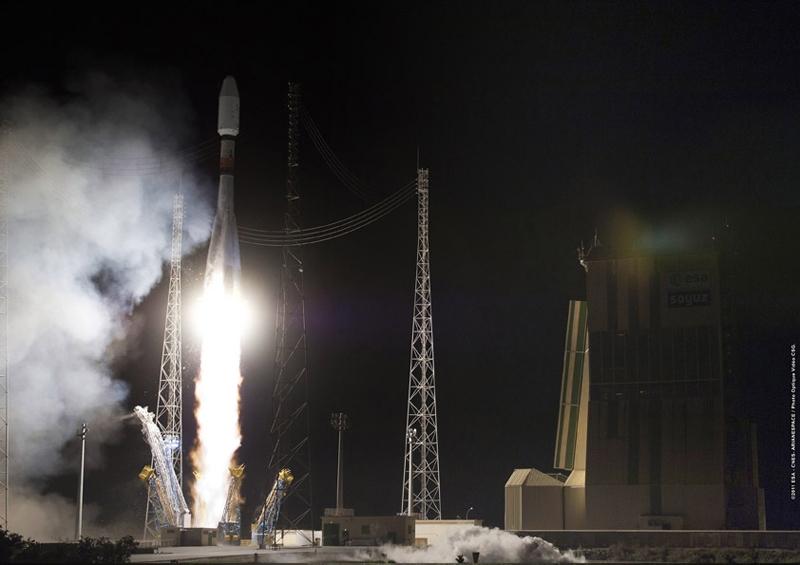 Décollage de la fusée Soyouz depuis le centre spatial guyanais ce samedi 17 décembre 2011. Crédits : ESA/CNES/Arianespace/Optique vidéo du CSG.
