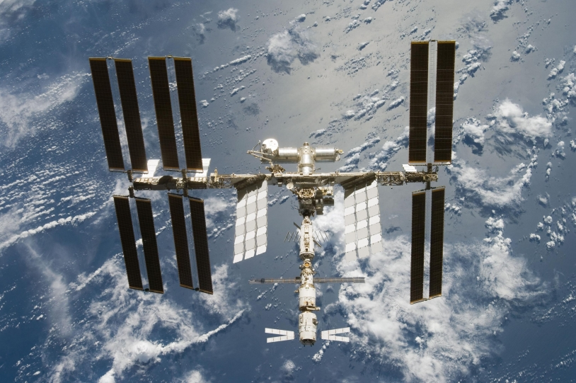 ISS_after_STS-124_06_2008